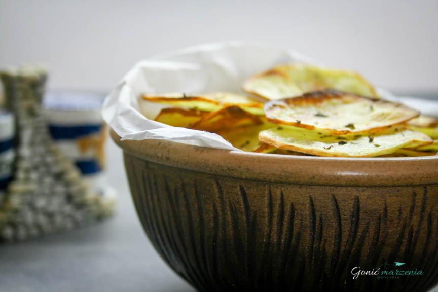 Pieczone chrupiące chipsy z ziemniaków Gonić Marzenia