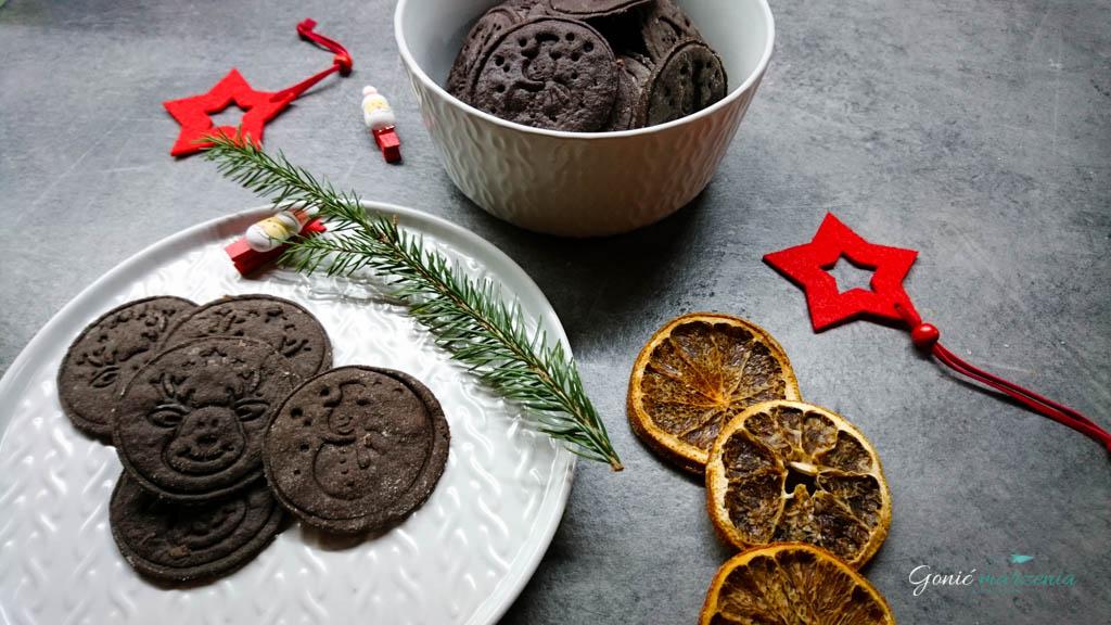 czekoladowe świąteczne ciasteczka