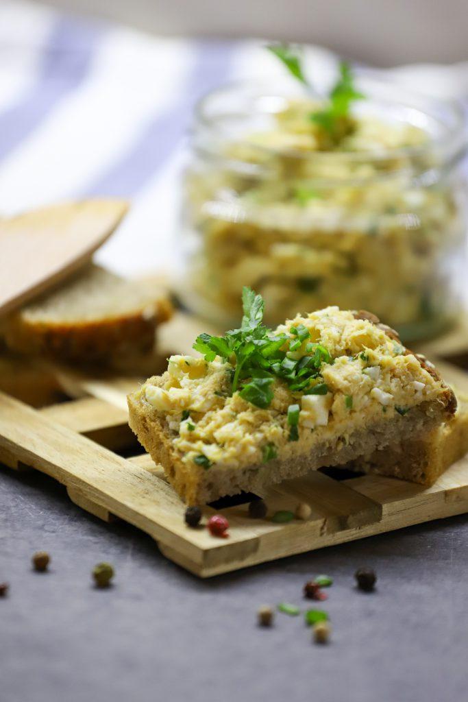 Pasta z jajek i makreli wędzonej